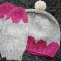 On Pink Clouds -hat and mittens
