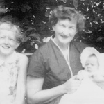 Gerda w/ daughters ´56