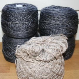 WalkCollection Silky Merino, Volcanic Sand + baaramewe Titus, natural