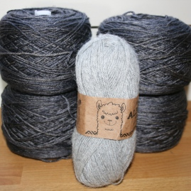WalkCollection Silky Merino, Volcanic Sand + Drops Alpaca, gray