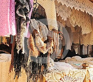 beautiful-handicraft-shop-market-moscow-45644004